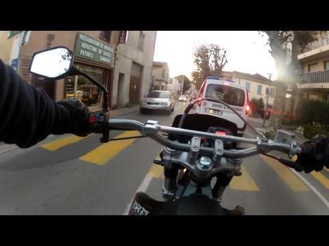 yasuni - Salut à tous ! Voici ma première vidéo avec ma Derbi DRD Racing 2011. Un moment je tombe sur les flics mais rien de bien méchant. Configs: -Pot yasuni R2 et ...