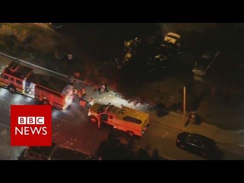 Thousand Oaks: 'Mass shooting' reported at California bar - BBC News