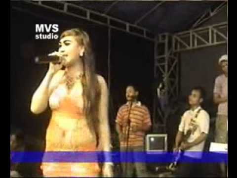 Video MVS MIA AGUSTIN   BANG RONI download in MP3, 3GP, MP4, WEBM, AVI, FLV January 2017
