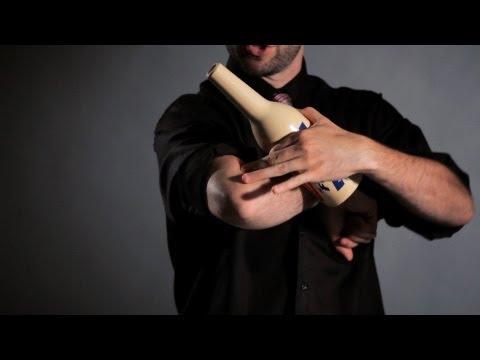 Como quicar a garrafa no braço