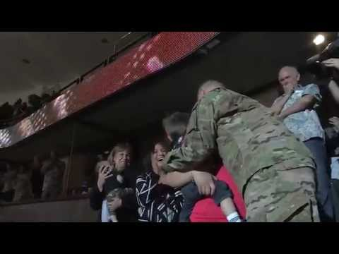NHL team reunites soldier with family in best way possible