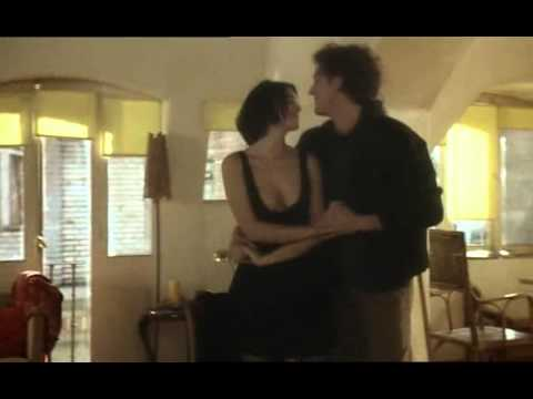 Monica Bellucci & Vincent Cassel dance in L'appartement