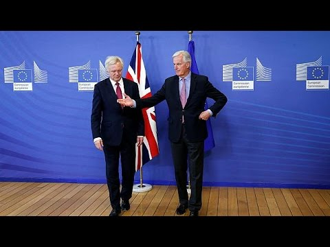 Βρυξέλλες: Τις προτεραιότητες της διαπραγμάτευσης για το brexit όρισαν ΕΕ και Βρετανία