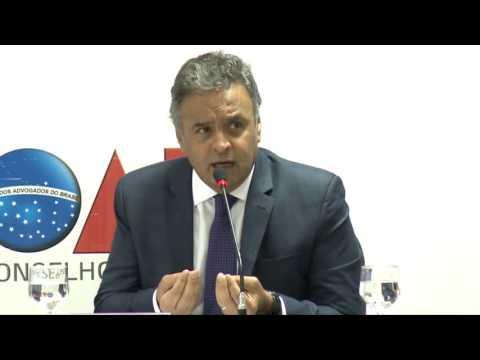 Aécio defende aprovação de PEC da reforma política até março
