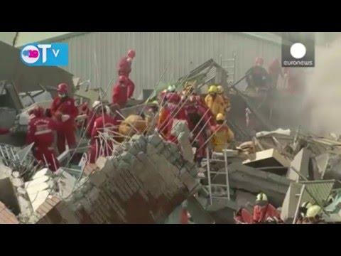 Dramática operación de rescate tras el terremoto que ha golpeado Taiwán