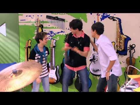 , title : 'Violetta - Momento musical: Los chicos cantan ¨Dile que sí¨'
