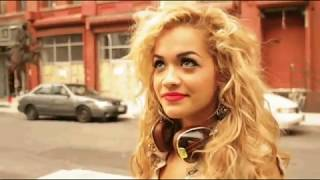 Albanian singer Rita Ora singing and talking about Kosova.