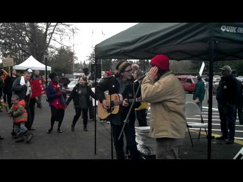 Dana Lyons and Danny Kelly at Occupy Olympia