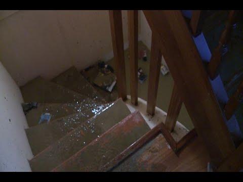 Las fuertes lluvias provocan inundaciones en Muxika (Bizkaia)