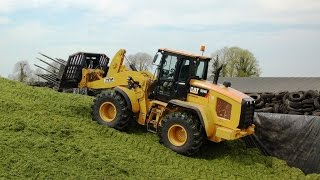 Grass & Muck Cat 924K on the Pit