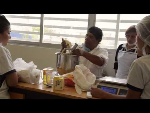 Elaboración de Panque Mufin Centenario.