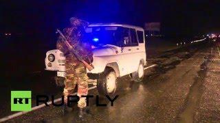 В результате подрыва машин под Махачкалой погиб полицейский