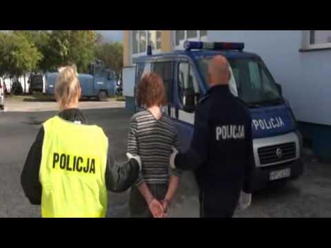 Mężczyźnie udało się uciec. Napastnicy ukradli jego auto, uszkodzone porzucili na Rubinkowie. Może im grozić do 12 lat więzienia. http://www.mmtorun.pl/artykul/torunianie-porwali-42-latka-z-pracy-wideo