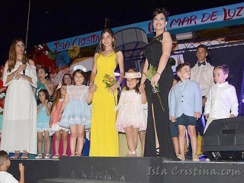 Desfile de las candidatas a Reina Infantil y miss simpatía de las Fiestas de Pozo del Camino