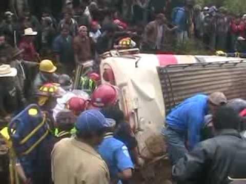 Tragedia en Guatemala: 10 pasajeros murieron sepultados por derrumbe