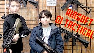 Video HappyFamily1004 visits GI TACTICAL Airsoft Store MP3, 3GP, MP4, WEBM, AVI, FLV Februari 2019