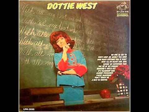 Tekst piosenki Dottie West - Don't Touch Me po polsku