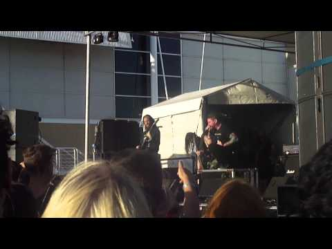 Suicide Silence - You Only Live Once (Live Perth Soundwave 2014)