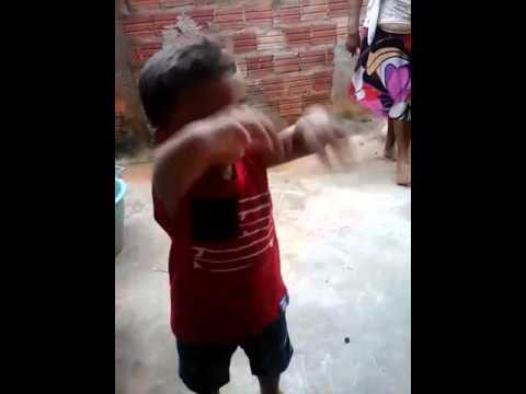 Davi dançando meu sobrinho lá do Brejo de Areia