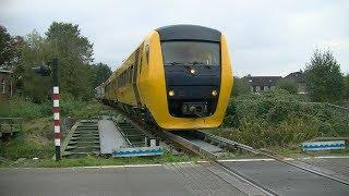 Video afscheidsrit DM '90 komt toeterend door Veendam//last ride DM '90 Veendam. MP3, 3GP, MP4, WEBM, AVI, FLV Oktober 2018