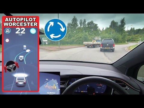 Autopilot Software CRASHES & It Navigates A Roundabout - Tesla Autopilot In A UK City #7 Worcester