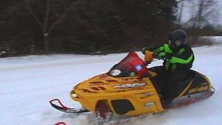 10. 2002 Ski-Doo MXZ 700 Vs. 2001 Yamaha SXR 700 Tripple: Snowmobile Race: Mark Vs. RJ