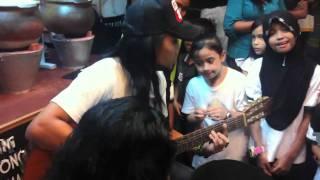 Nonton Elly Axl S Feat Ali Xpdc   Akulah Kekasihmu   Andai Dapat Ku Undur Masa Film Subtitle Indonesia Streaming Movie Download