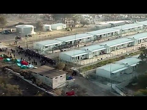 Ελλάδα: Στον στρατό το βάρος δημιουργίας κέντρων καταγραφής προσφύγων