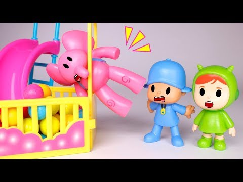 Pocoyo Toys  Pocoyo plays in the ball pit ????