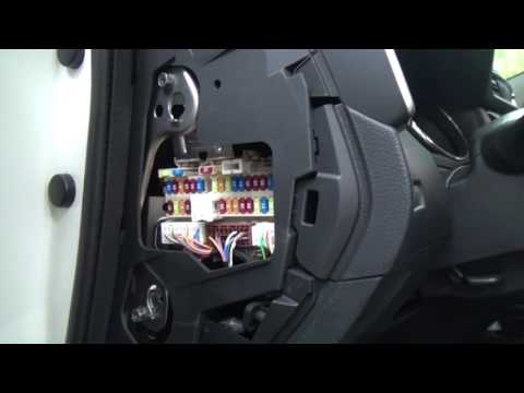 Nissan sentra блок предохранителей фотка