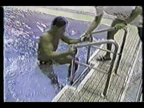 Greg Louganis hits his head...