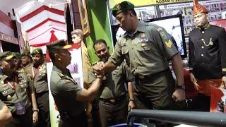 Video WOW! TNI ini besar sekali badan nya!! MP3, 3GP, MP4, WEBM, AVI, FLV Februari 2018