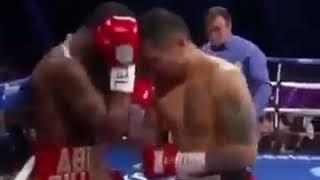 Tak cwaniakował przed walką, a w ringu narobił sobie tylko wstydu