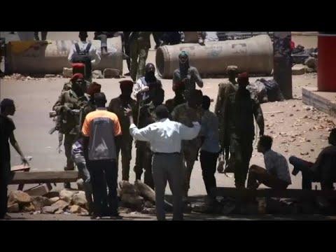 Νέα κυβέρνηση ζητούν οι πολίτες του Σουδάν