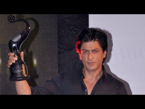 Shah Rukh Khan, Shaimak Davar Attend TOIFA