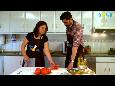 Watch video Síndrome de Down: Receta de Gazpacho