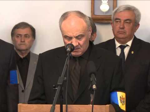 Nicolae Timofti a ținut un discurs de adio la sicriul cu trupul neînsuflețit al poetului Dumitru Matcovschi