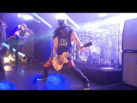 Slash ft. Myles Kennedy & The Conspirators - Slither (Live At The Roxy)