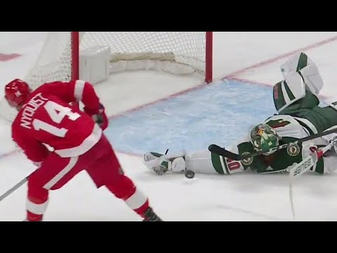 Video: Gotta See It: Dubnyk makes an amazing sprawling save