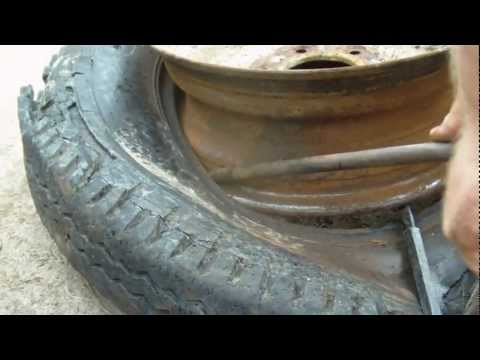 rim tyre - Remove a tire from a rim.