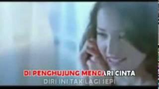 Pasha Ungu Ft. Adelia - Penghujung Cintaku (VC + Lyrics)