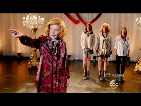 "Castle 8x09 Opening Scene Martha Sings & Confronts Suspect ""Tone Death"" Season 8 Episode 9"