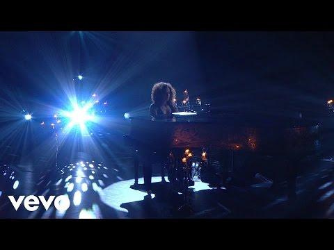 Alicia Keys - Moonlight Sonata (Piano & I: AOL Sessions +1)