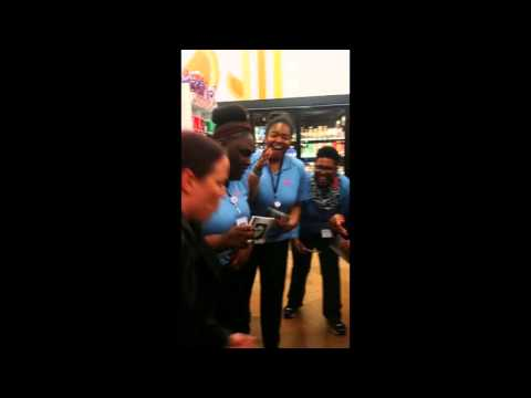 Woman Raps Crazy Busta Rhymes Verse At Store And Kills It