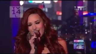 Demi Lovato videoklipp Give Your Heart A Break (On MTV NYE 2012) (Live)