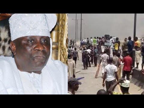 BREAKING: [VIDEO] OBA OF LAGOS IN HØȚ ŠØÙÞ, WATCH WHAT LAGOSIANS JUST DID IN HIS ÞALAC€