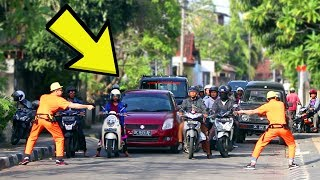 Video BIKIN MACET JALANAN! Invisible Rope Prank Indonesia!! Ft Arim Iseng Project. MP3, 3GP, MP4, WEBM, AVI, FLV Februari 2018