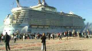 Video Oasis of the Seas entering Port Everglades for the first time - 11-13-09 - Royal Caribbean Cruises MP3, 3GP, MP4, WEBM, AVI, FLV Agustus 2019