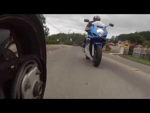 Ducati Hypermotard 796 e Suzuki  Gsx 750 F em Orleans S. Catarina Brasil