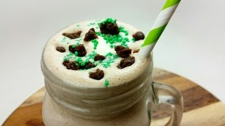 CHOC MINT BROWNIE MILKSHAKE - YouTube
